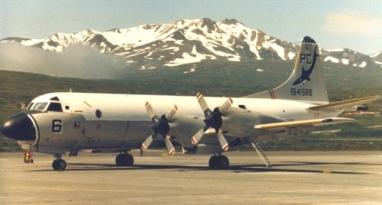 P-3B_Adak_flightline_1984_600