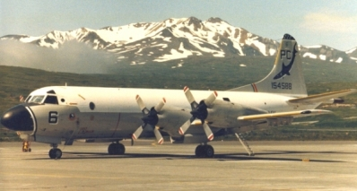 P-3B_Adak_flightline_1984_600
